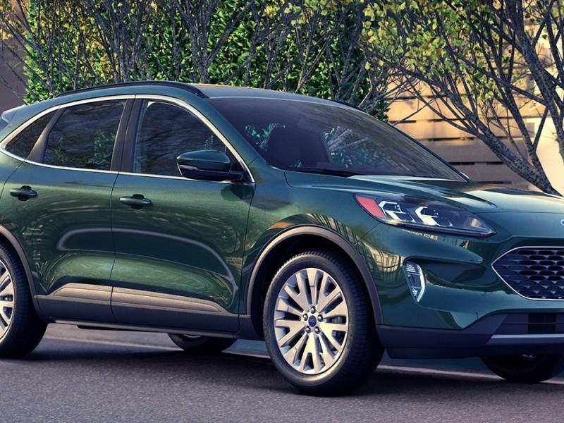 2021 Ford Escape hybrid Titanium. Toronto Hybrid dealership.